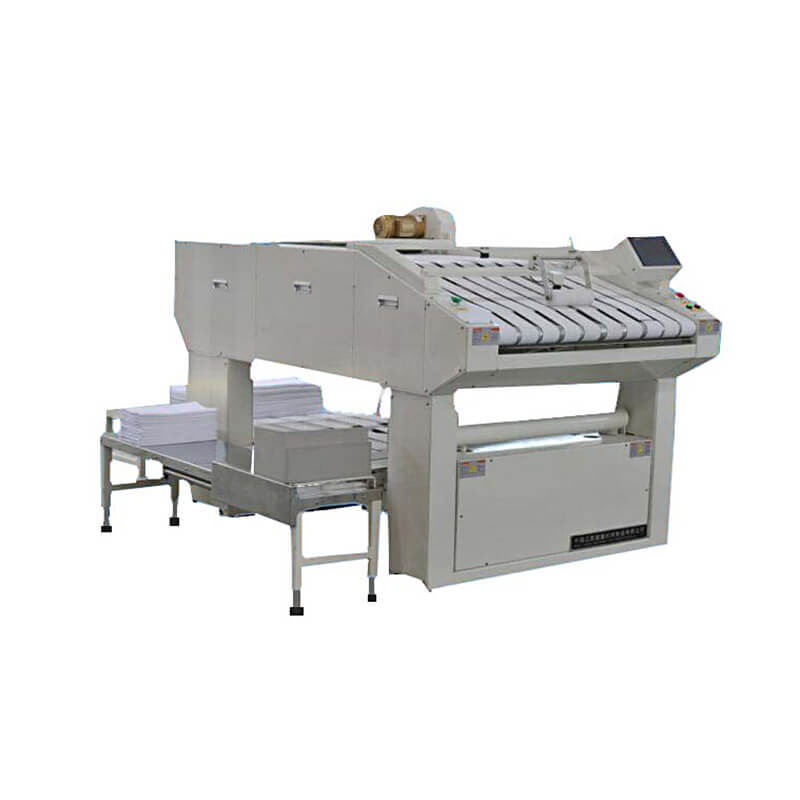 Laundry towel folding machine